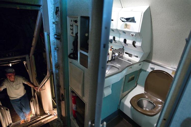 vliegtuig-toilet