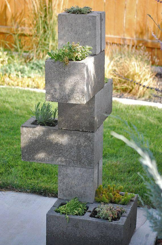 stenen tuin planten bloemen