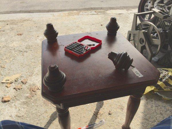 houten tafel bijzettafel bolpoot