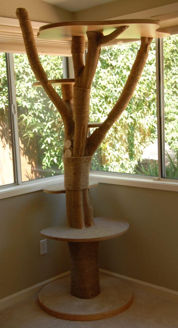 kattenboom kattenspeeltje kattenspeelgoed krabpaal