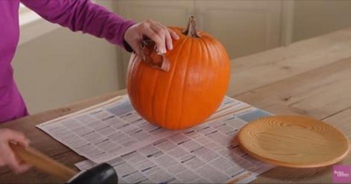pompoen versiering uitsnijden halloween
