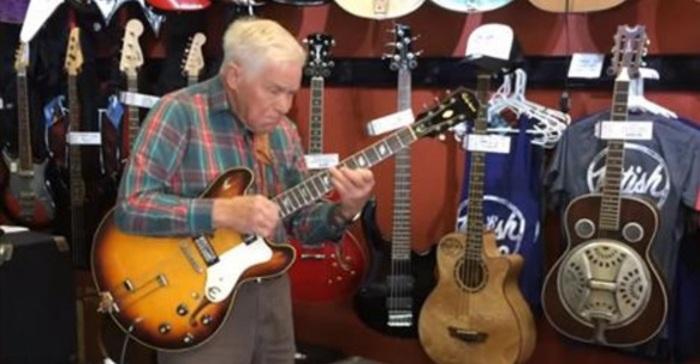gitaarwinkel muziekwinkel elektrische gitaar kopen versterker gitaar