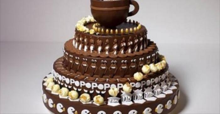 Genoeg Het Lijkt Een Normale Chocoladetaart, Maar Zodra Het Begint Te  #XE-73