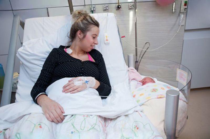 bevalling, bevallen, zwanger, zwangerschap, ziekenhuisbed, kraambed, kraamzorg, verloskundige