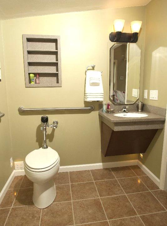 badkamer voor ouderen, douche voor ouderen, senioren badkamers, badkamer senioren, aangepaste badkamer